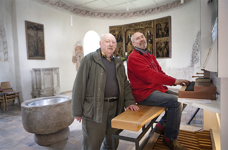 Karl-Heinrich Zahn (75), Pastor & Hanspeter Bethke (79), painter, are married since 2005 and have lived together since the 70ies in the Saxdorf Village, Brandenburg (former DDR) in the parsonage attached to the church from 1230.