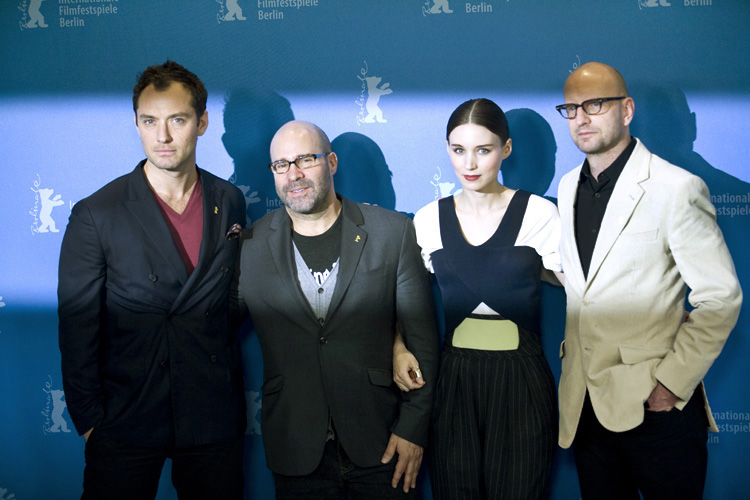 Photo Call - 'Side Effects', Actor Jude Law, Producer Scott Z. Burns, Actress Rooney Mara, Director Steven Soderbergh